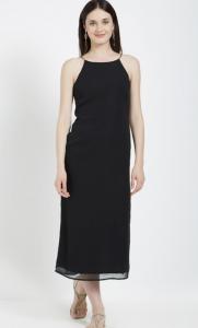 Date night slip dress, open hair, black dress, open hair, earrings